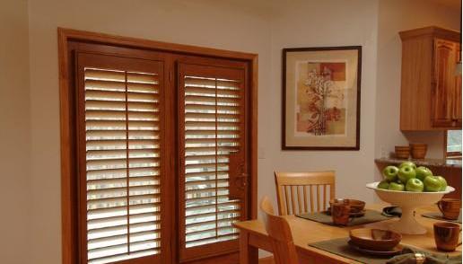 室內門應該同家具的顏色比較接近,同窗套啞口盡量保持一致(現在的