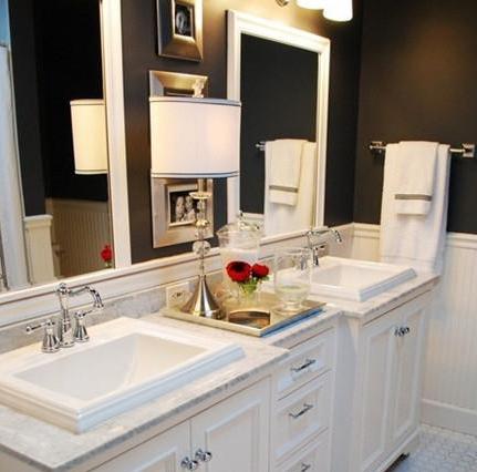 家庭的生活模式.而且地板上小块瓷砖的装饰,带给洗手间装修